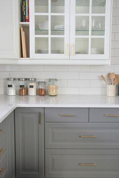 99 Modern White And Grey Kitchen Cabinets Design Ideas http://philanthropyalamode.com/99-modern-white-grey-kitchen-cabinets-design-ideas/