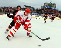 2009 NHL Winter Classic | ... Wings 6, Blackhawks 4 - The 2009 NHL Winter Classic - Photos - SI.com