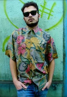 Discover new and vintage men's shirts. From vintage denim shirts to festival-ready printed shirts, our boutiques have got loads to choose from. Vintage Men, Vintage Clothing, Vintage Outfits, Printed Shirts, 1980s, Men Casual, Menswear, Denim, Mens Tops