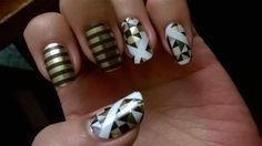Cleopatra and Deco Jamberry manicure. Love the gold and black mani! #CleopatraJN #DecoJN