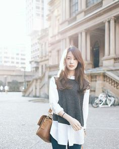 Pimtha Cute so much! Korean Girl Fashion, Ulzzang Fashion, Girls Fashion Clothes, Fashion Outfits, Womens Fashion, All About Fashion, Passion For Fashion, Cool Outfits, Casual Outfits
