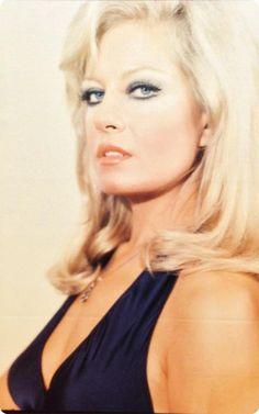 emel sayın - Turkish singer 1970