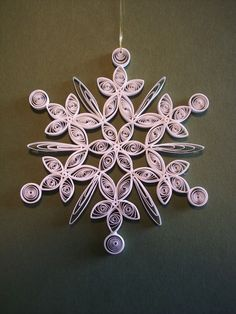 Quilling... I want to learn to quill, I WILL LEARN TO QUILL!! just not snowflakes ...haha
