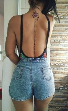 Back tattoos are among the sexiest place to get a body art, spine tattoos are fun and lovely. Trendy Tattoos, Sexy Tattoos, Cute Tattoos, Body Art Tattoos, Small Tattoos, Girl Tattoos, Tatoos, Girl Spine Tattoos, Spine Tattoos For Women