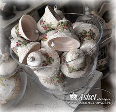 Christmas ornaments with crackle with cracks in shabby chic style