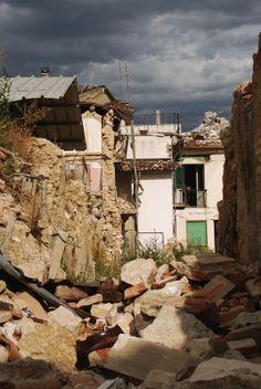 L'Aquila Earthquake Gallery: A Day of Destruction   Italy Earthquakes & Abruzzo Temblor   Earthquake Destruction in Photos   LiveScience