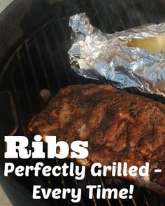 Perfectly Grilled Pork RIbs Every Time! Tried this recipe today and it came out perfect!!! Rib Recipes, Grilling Recipes, Great Recipes, Cooking Recipes, Favorite Recipes, Cooking Gadgets, Healthy Recipes, Pork Ribs Grilled, Good Food
