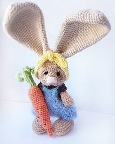 Нет описания фото. Knitting Patterns, Crochet Patterns, Crochet Rabbit, Easter Crochet, Bunny Rabbit, Easter Bunny, Tweety, Free Pattern, Dinosaur Stuffed Animal