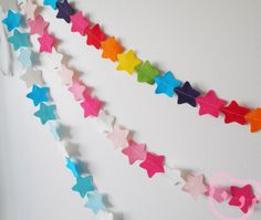 Rainbow Star Garland - made with wool blend felt in bright rainbow colours, perfect for kids room or birthday. via Etsy. Rainbow Room, Rainbow Star, Rainbow Colors, Star Light Shade, Star Garland, White Ribbon, Happy Kids, Color Splash, Playroom