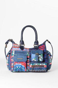 Achète des sacs Desigual, avec retours gratuits et livraison gratuite en  boutique. 10 % de réduction à partir de 100 € d achat ! e975194bbdcb