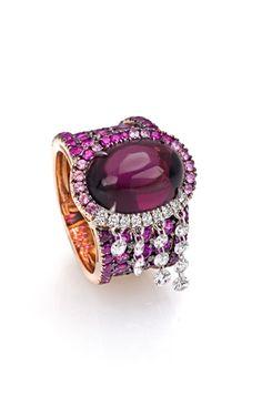 This says garnets but it looks like amethyst! lol Fashion | Digo Valenza. Diamonds and rubies--- fabulous!!