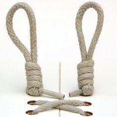 靴ひもの結び方は「ちょう結び」が一般的な方法ですが、結びやすい反面、ほどけやすいという欠点も持っています。激しいスポーツを行う時や登山を行う時など、状況に応じてもっとほどけにくい靴ひもの結び方は