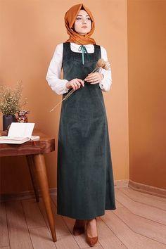 Gamze Özkul Zümürt Askılı Kadife Elbise - 155 TL http://alisveris.yesiltopuklar.com/gamze-ozkul-zumurt-askili-kadife-elbise.html  Adresinden satın alabilirsiniz.  http://alisveris.yesiltopuklar.com