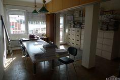 3582 AUSIAS MARC-SICILIA. Ático con 8m2 terraza. 3 habitaciones. Comedor 24m2. Cocina a reformar. Baño y aseo. Piso con mucha luz natural. Finca preciosa. Obra vista.