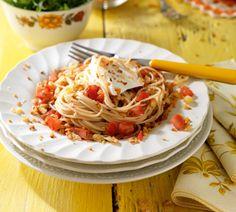 Krokante spaghetti met tomaat en knoflookkruim - Recept - Jumbo Supermarkten