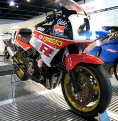 1986-Yamaha FZ750-Superbike-Daytona-Eddi Lawson