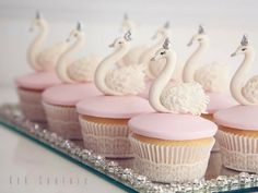 Those Swan cupcakes are majestic! Really perfect for a swan-themed birthday party for a little girl! Oreo Cupcakes, Cute Cupcakes, Cupcake Cakes, Delicious Cupcakes, Birthday Cupcakes, Lake Party, Ballerina Birthday, Mini Cakes, Beautiful Cakes