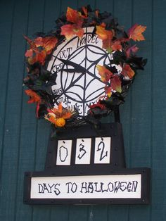 Nightmare Before Christmas Clock I WANT THIS!!! WHERE WHERE WHERE???