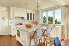 For this remodel of a 1910 colonial revival home, Marvin Ultimate Casement Windows offered an energy-efficient solution to complement the character in this house. Learn more here.