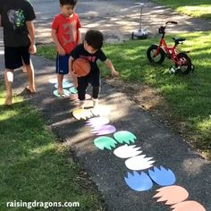 Babysitting Activities, Toddler Learning Activities, Preschool Activities, Indoor Activities For Kids, Kids Party Games Indoor, Outdoor Games For Toddlers, Yard Games For Kids, Backyard Games Kids, Family Party Games