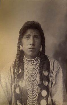 Blanket Robe (Miles Big Spring), 1893 - Blackfoot | www.American-Tribes.com
