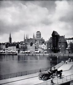 Am Pregel Danzig, Prussia, Historical Photos, Old Photos, New York Skyline, Cities, Organize, The Past, Germany