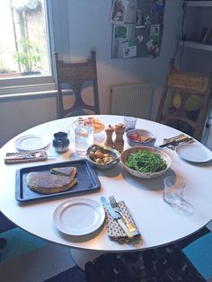 Well earned break and now lunch. A homemade healthy vegetarian lunch and homemade cake in my kitchen. Commitment Rings, Vegetarian Lunch, Garden Studio, Homemade Cakes, Beautiful Gardens, Make Your Own, Wedding Bands, Healthy, Kitchen