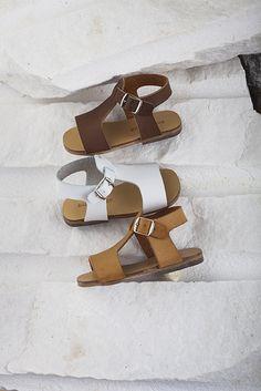 Τα πιο ξεχωριστά βαπτιστικά ρούχα και πακέτα ''All inclusive'' σε 1 online shop! www.angelscouture.gr