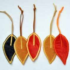 A tutorial on how to make a handmade zipper pull (or leaf ornament, you decide).
