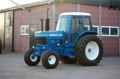 Ford 7700 New Holland Ford, New Holland Tractor, Antique Tractors, Vintage Tractors, Classic Tractor, Ford Tractors, Tractor Parts, Ford Falcon, Farming