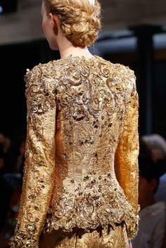Schiaparelli Fall 2015 Couture Fashion Show Details