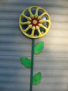 Hubcap flower with leaves.                                                                                                                                                                                 More