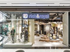 Rich & Royal Store Visual Merchandising by Blocher Blocher, Berlin – Germany » Retail Design Blog
