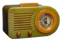 Patriot radio model 400, Norman Bel Geddes; Bullet streamliner model 115, Fada