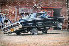1964 chevrolet impala super sport passenger side rear quarter view 001