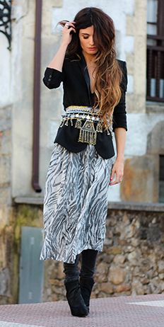 (BLAZER Topshop, DRESS H&M, PANTS Zara, SHOES Zara, BELT Tete by Odette  here)