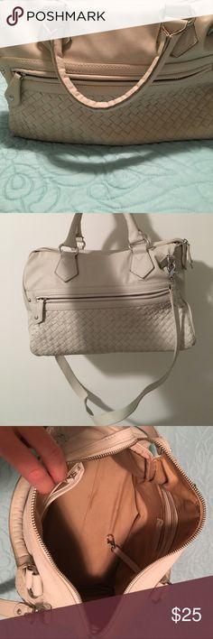 Kate Landry Handbag Super cute purse! Can be dressed up or casual! Kate Landry Bags Shoulder Bags