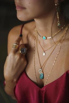 Fall Winter Trends 2019 2020 - Trends collect pendants, fine chains and chains… - Jewelry Trends, Boho Jewelry, Jewelry Accessories, Jewelry Necklaces, Jewelry Design, Women Jewelry, Fashion Jewelry, Silver Jewelry, Handmade Jewelry