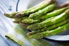 Clean Eating, Healthy Eating, Low Carb Recipes, Cooking Recipes, Healthy Recipes, Food T, Yummy Food, Health Benefits Of Asparagus, Nutrition