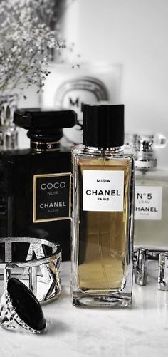 Chanel No. My Nana introduced it to me … – Fragrance Ideas Coco Chanel, Chanel No 5, Perfume Tray, Perfume Bottles, Perfume Display, Parfum Chic, Parfum Chanel, Long Lasting Perfume, Chanel Vintage