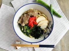沖縄のおばー直伝「ソーキそば」基本のレシピ♪沖縄料理を極めよう! Ramen, Cooking, Ethnic Recipes, Food, Kitchen, Essen, Meals, Yemek, Brewing