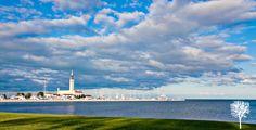 Grosse Pointe Yacht Club, a familiar view Michigan Wedding Venues, Detroit Wedding, St Ambrose, Grosse Pointe, Yacht Club, Lenses, The Neighbourhood, Beach, Places
