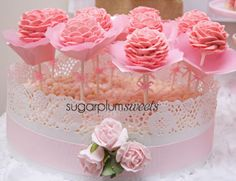 Flower cake pops at a Pink Party #pink #party