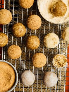 Fauxnut holes - Oh, Ladycakes Healthy Homemade Snacks, Healthy Sweets, Healthy Dessert Recipes, Gluten Free Desserts, Raw Food Recipes, Fall Recipes, Sweet Recipes, Vegan Treats, Yummy Treats