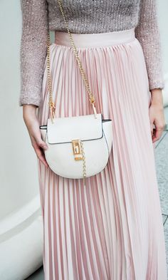 This SheIn bag goes with everything and is a staple in every girl's closet. I think I'm in love with mine!