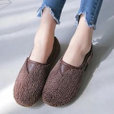 Soft Curly Plush Slip On Warm Loafers – Mollyca Heeled Loafers, Casual Loafers, Loafer Shoes, Women's Shoes, Fall Shoes, Shoe Size Chart, Chic Outfits, Sport Outfits, Low Heels