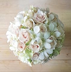 White and pink bouquet by Katerina Krapivina. Bridal Bouquet Pink, Boquet, Wedding Bouquets, Gerbera Wedding, Floral Wedding, Wedding Flowers, Beautiful Flower Arrangements, Floral Arrangements, Beautiful Flowers
