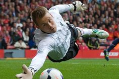 Simon Mignolet: Am better I don't see Karius ever taking my Place