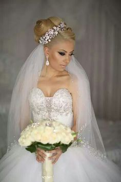 White and Gold Wedding. Sweetheart Corset Ballgown Dress. ♥♥