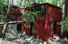 The Boxcar Child in you wants to live here so badly. | 23 Surprisingly Gorgeous Homes Made From Shipping Containers
